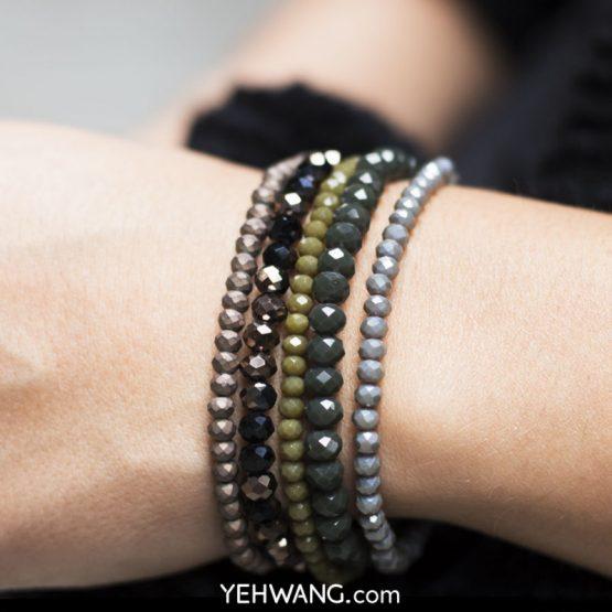 Mooie sprankelende armband met groene kralen