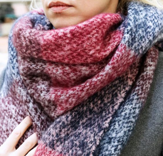 zacht geblokte sjaal roze en paars